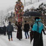 Giaglione, Festa patronale di San Vincenzo (particolare di spadonaro e banda) - Riti Alpini Valsusa