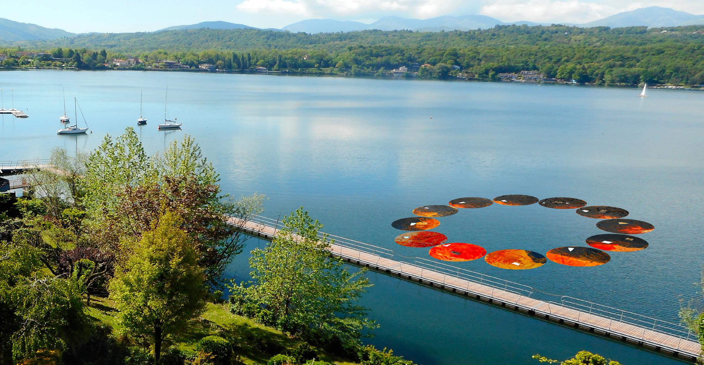 Il fermarsi del tempo e il tempo dell'acqua - opera galleggiante nel Lago Grande di Avigliana e mostra collettiva